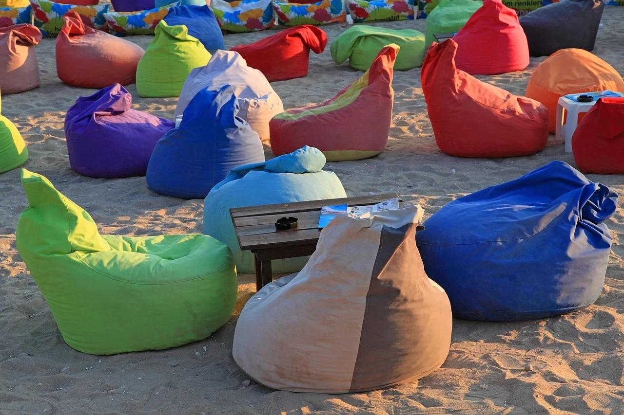 Vaky na pláži