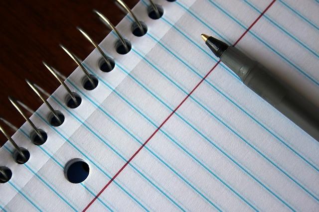 tužka a papír